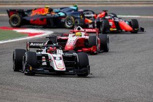 Marcus Armstrong, ART Grand Prix en Mick Schumacher, Prema Racing