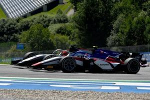 Nikita Mazepin, Hitech Grand Prix, battles with Pedro Piquet, Charouz Racing System