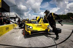 #85 JDC-Miller Motorsports Cadillac DPi, DPi: Chris Miller, Tristan Vautier, pit stop