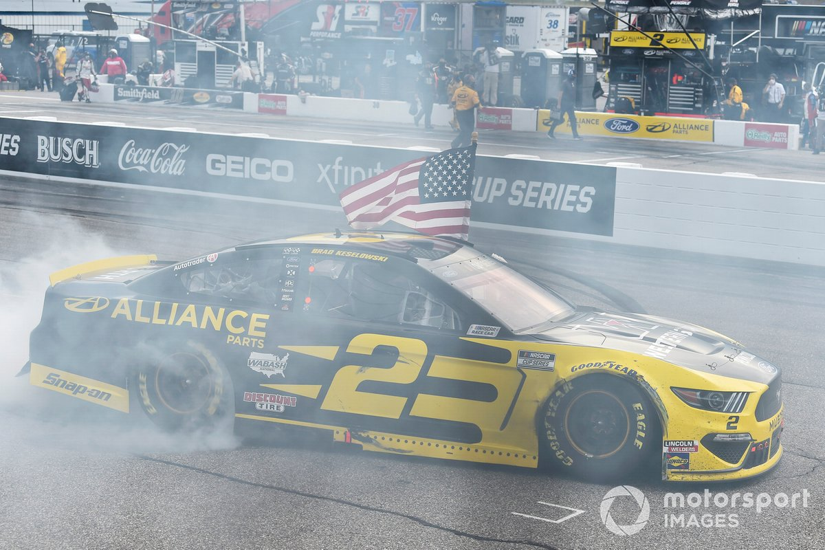 Брэд Кеселовски, Team Penske, Ford Mustang, празднует победу