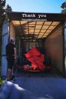 La Ferrari ha regalato una SF71H a Kimi Raikkonen