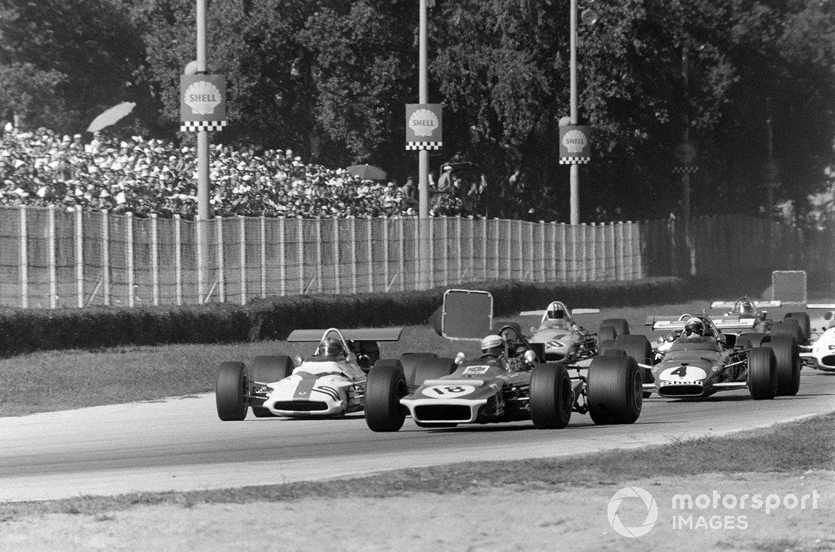 Jackie Stewart, March 701 Ford, Pedro Rodríguez, BRM P153 y Clay Regazzoni, Ferrari 312B