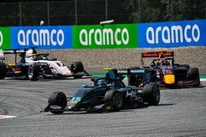 Jake Hughes, HWA Racelab leads Liam Lawson, Hitech Grand Prix Theo Pourchaire, ART Grand Prix