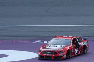 Race Winner Kevin Harvick, Stewart-Haas Racing, Ford Mustang