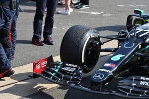 The worn front tyre on the car of Valtteri Bottas, Mercedes F1 W11, 3rd position