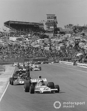 Denny Hulme, Mclaren M19A, Jackie Stewart, Tyrrell 003
