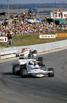 Rolf Stommelen, March 721 Ford leads Henri Pescarolo, March 721 Ford past Carlos Reutemann, Brabham BT34 Ford