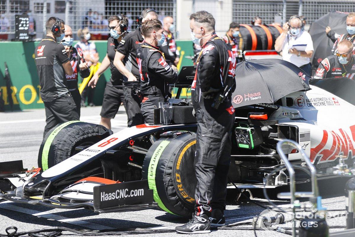 Mechanics on the grid with Romain Grosjean, Haas VF-20
