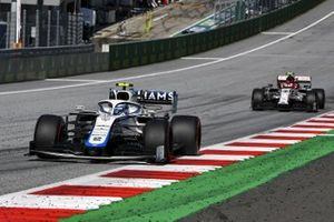 Nicholas Latifi, Williams FW43, leads Antonio Giovinazzi, Alfa Romeo Racing C39