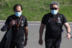 Технический директор программы Honda в Формуле 1 Тойохару Танабе и босс Honda Motorsport Масаси Ямамото