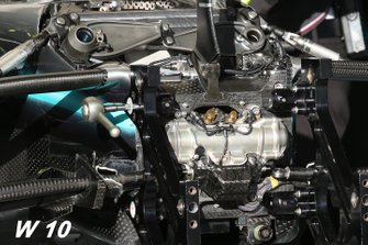 Mercedes F1 W10 front suspension detail