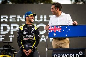 Daniel Ricciardo, Renault F1 with Cyril Abiteboul, Managing Director, Renault F1 Team