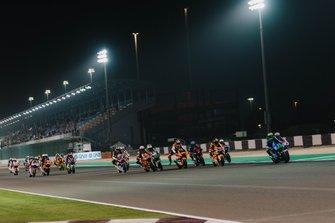 Start zum Moto2-Rennen in Doha 2020: Enea Bastianini, Italtrans Racing Team, führt