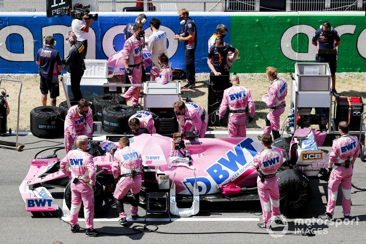 El monoplaza de Sergio Pérez, Racing Point RP20 en la parrilla