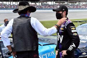 Richard Petty and Jimmie Johnson, Hendrick Motorsports, Chevrolet Camaro Ally