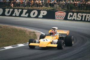 Niki Lauda usando el Ford 721G March 721G Ford de Mike Beuttler