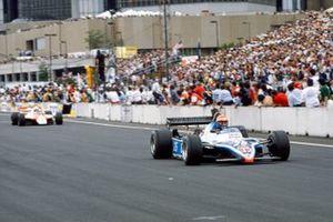Eddie Cheever, Ligier JS17 Matra, Niki Lauda, McLaren MP4-1B Ford