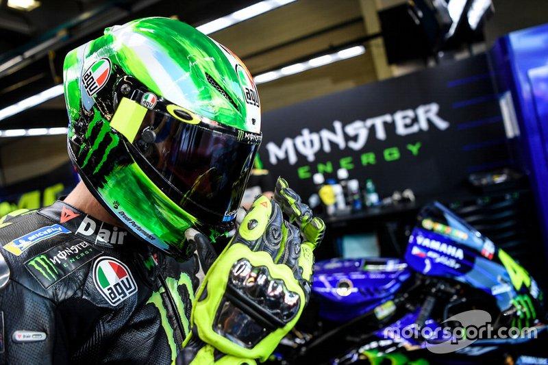 Valentino Rossi, Yamaha Factory Racing met zijn nieuwe helm