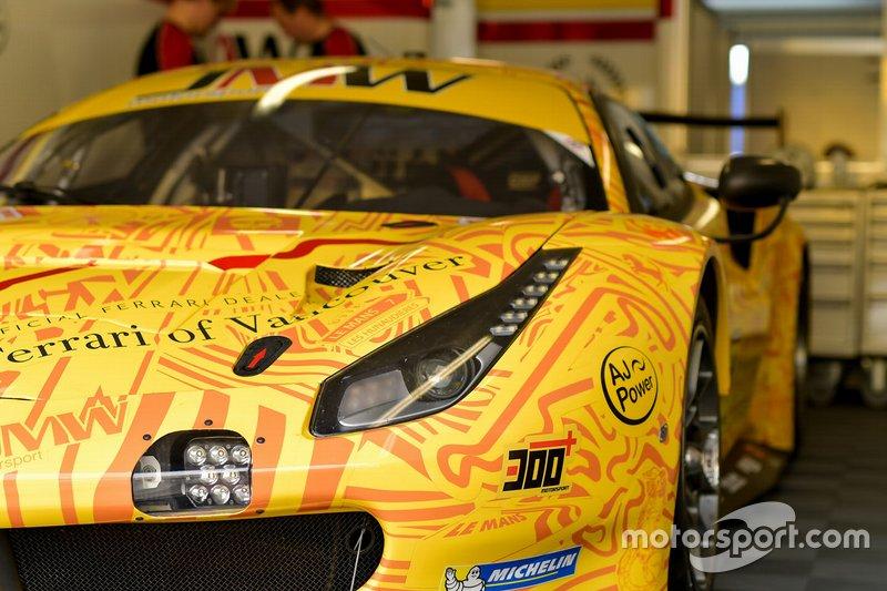#84 JMW Motorsport Ferrari 488 GTE: Джефф Сігал, Родріго Баптіста, Вей Лу