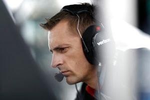 Un ingénieur de Will Power, Team Penske Chevrolet