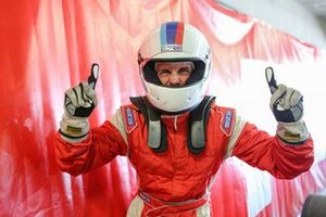 Nobre festeja a conquista da vitória na corrida 2 - Foto - Rodrigo Ruiz-F.Inter