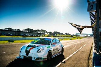 Race winner Dylan O'Keeffe, Ashley Seward Motorsport Alfa Romeo Giulietta