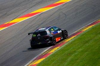 Ashley Sutton, Team WRT Volkswagen Golf GTI TCR