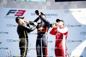 Juri Vips, Hitech Grand Prix Max Fewtrell, ART Grand Prix en Marcus Armstrong, PREMA Racing