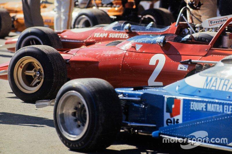 В воскресенье утром показалось, что решение найдено, и стартовать позволили всем участникам Гран При – два десятка пилотов заняли места на решетке…