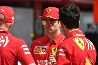 Charles Leclerc, Ferrari speaks with Jock Clear, Ferrari in the pit lane