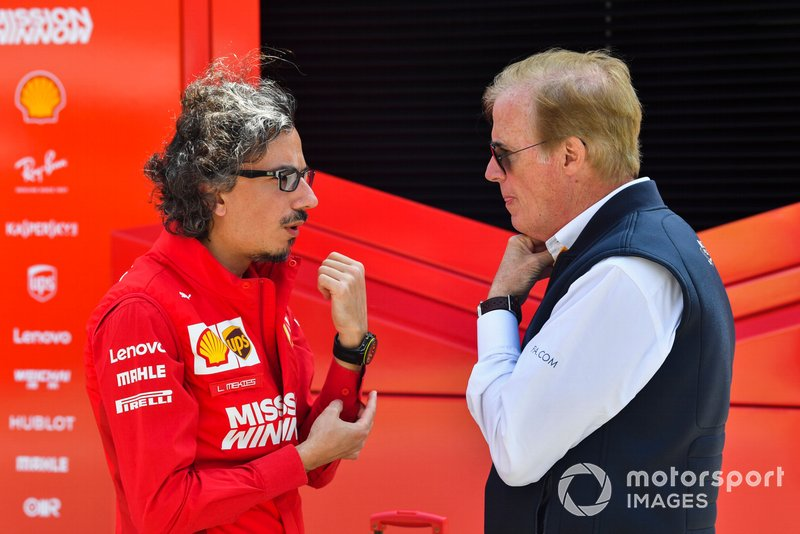 Laurent Mekies, Ferrari et Danny Sullivan, commissaire de la FIA