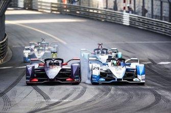 Sam Bird, Envision Virgin Racing, Audi e-tron FE05 battles with Antonio Felix da Costa, BMW I Andretti Motorsports, BMW iFE.18