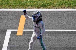 Pole man Valtteri Bottas, Mercedes AMG F1 celebrates