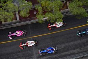 Anthoine Hubert, Arden, devant Mick Schumacher, Prema Racing et Nobuharu Matsushita, Carlin