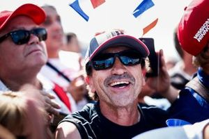 Un fan de Romain Grosjean, Haas F1 attend un autographe