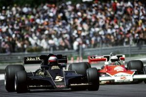 Mario Andretti, Lotus 78; Jochen Mass, McLaren M23