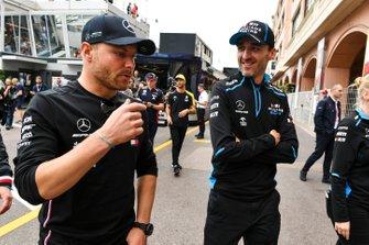 Valtteri Bottas, Mercedes AMG F1 and Robert Kubica, Williams Racing
