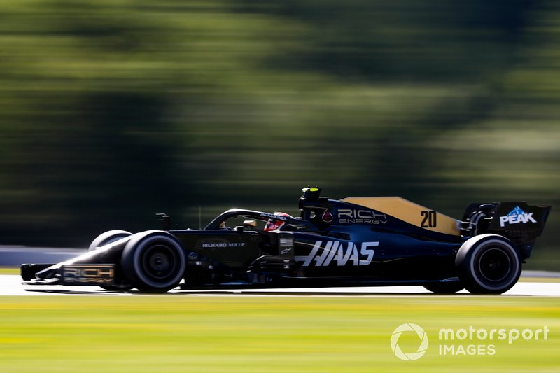 10: Kevin Magnussen, Haas F1 Team VF-19, 1'04.072 (inc 5-place grid penalty)