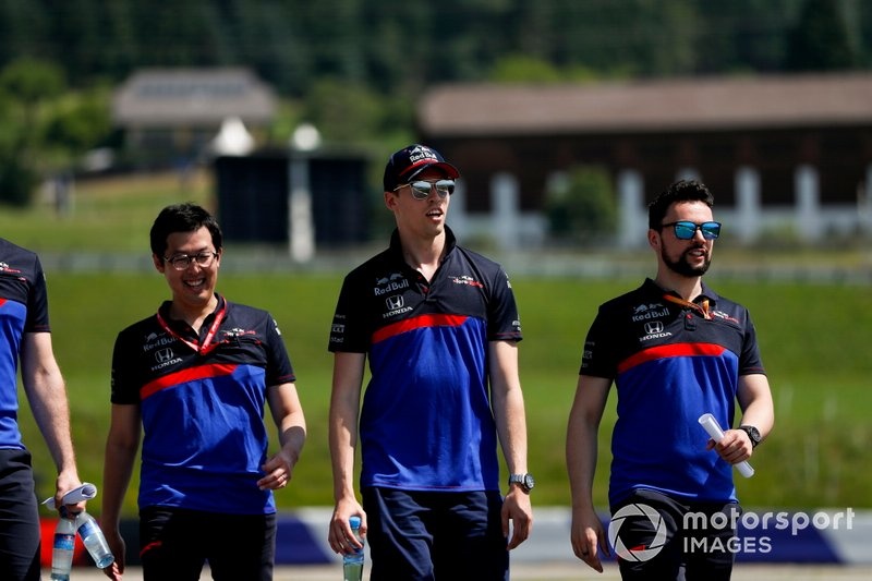 Daniil Kvyat, Toro Rosso walks the track with his team