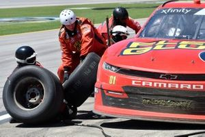 Stephen Leicht, JD Motorsports, Chevrolet Camaro Flex Glue, makes a pit stop
