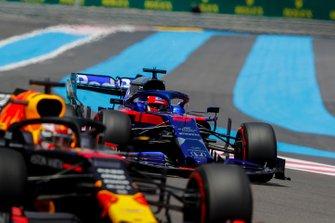 Max Verstappen, Red Bull Racing RB15, leads Daniil Kvyat, Toro Rosso STR14