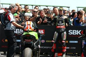 Jonathan Rea, Kawasaki Racing Team takes pole position