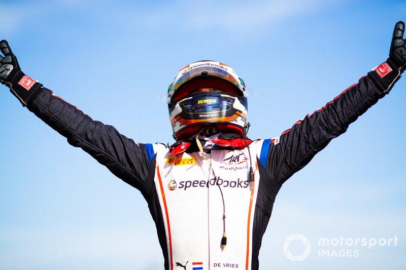 Il vincitore della gara Nyck De Vries, ART Grand Prix