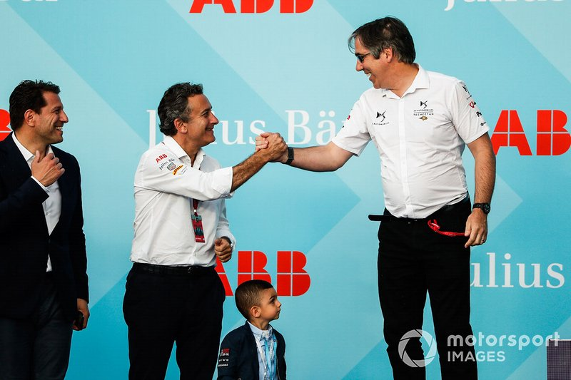 Alejandro Agag, CEO, Formula E congratulates Mark Preston, Team Principal, DS TECHEETAH on the podium