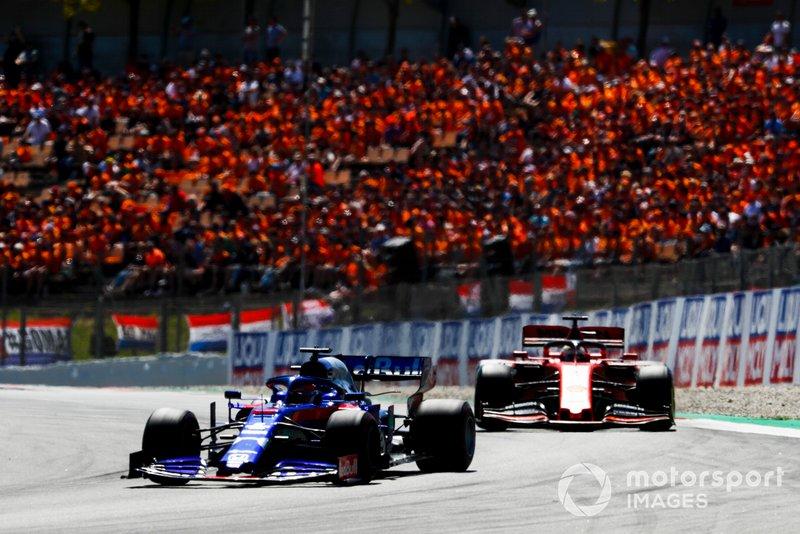 Daniil Kvyat, Toro Rosso STR14, Sebastian Vettel, Ferrari SF90