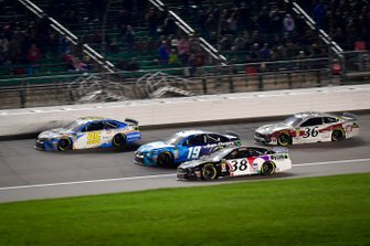 Matt DiBenedetto, Leavine Family Racing, Toyota Camry Digital Momentum / Hubspot, Martin Truex Jr., Joe Gibbs Racing, Toyota Camry Auto Owners Insurance