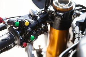 Michael van der Mark, Pata Yamaha switch gear
