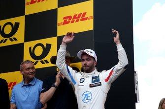 Podio: il vincitore della gara Philipp Eng, BMW Team RBM