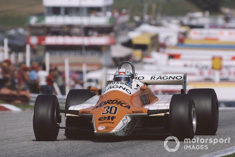 Гонку закончили всего восемь машин, что позволило заработать очки даже малоизвестному Мауро Бальди на Arrows