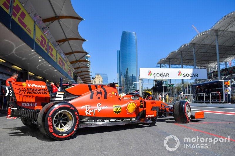 Sebastian Vettel, Ferrari SF90 esce dal box